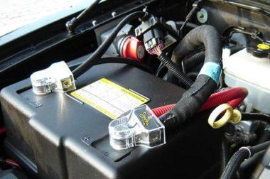 Autóakkumulátor téli karbantartása tudnivalók és tippek