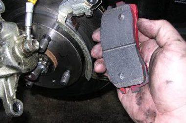A fékek karbantartása a járművön