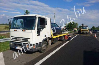 Új Iveco csúszóplatós autómentő